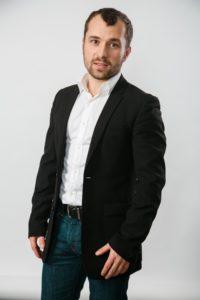 Александр Якин